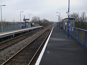 South Greenford railway station - Image: South Greenford stn look south