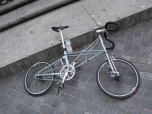 Moulton Bicycle - Modern Moulton