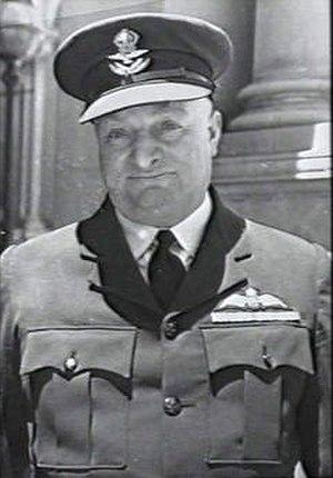 Frank Neale - Squadron Leader Frank Neale in 1942