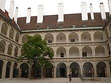 Arkadenhof der Stallburg (Quelle: Wikimedia)