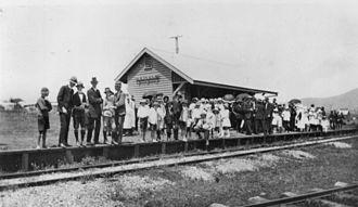 Kalbar, Queensland - Passengers waiting at Kalbar railway station on the Mount Edwards railway line, 1917