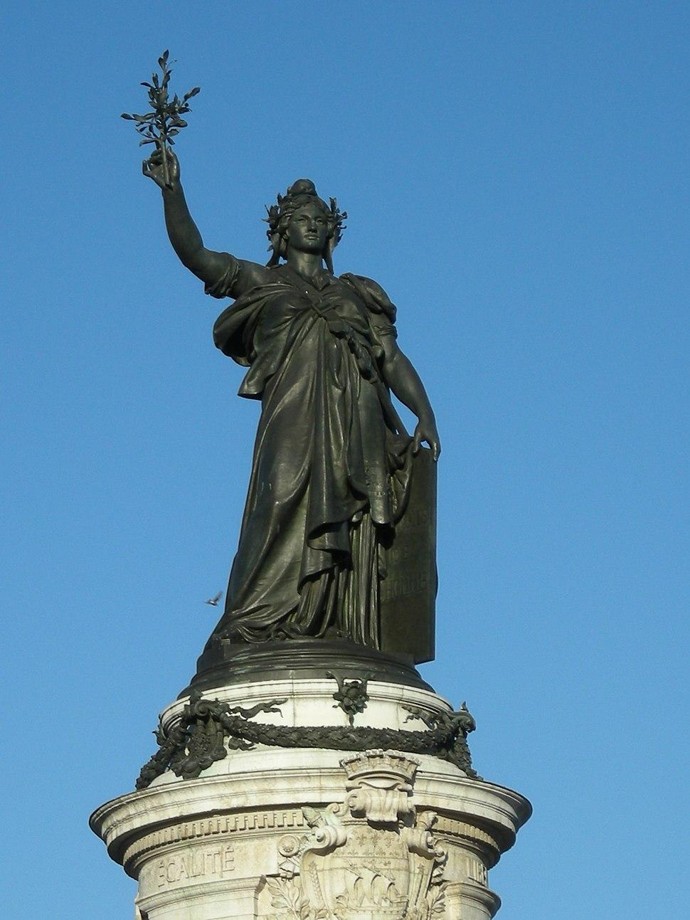 Statue place de la République à Paris, 2010