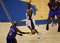 Stephon Marbury pass to Eddy Curry.jpg