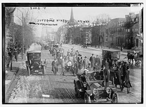 Suffrage Hikes - Suffrage hikers in Newark, New Jersey in 1913