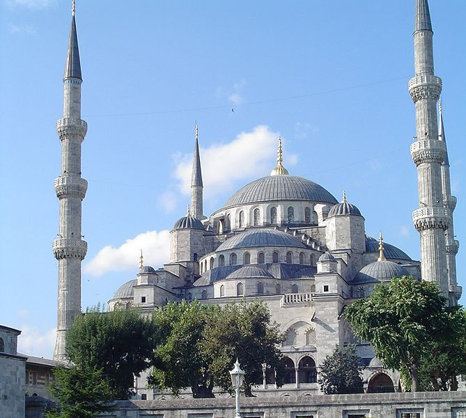 The Sultan Ahmed Mosque in Istanbul - Wikipedia