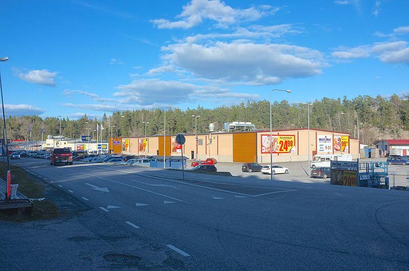 File:Svinesund Handelsområde - 2014-04-15 at 17-55-43.jpg
