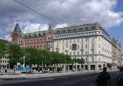 Vägbeskrivningar till Norrmalmstorg med kollektivtrafik