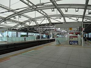 Shakujii-kōen Station - Current elevated platforms, October 2013