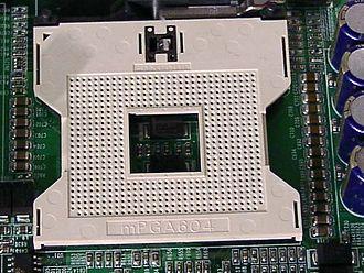Socket 604 - Image: Syn 8