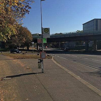 Tübingen-Reutlinger-Straße-Bushaltestelle-1.jpg