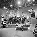 TV Meet the Band , the Temperance Seven, Bestanddeelnr 914-1827.jpg