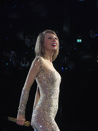 MTV Video Music Award for Best Collaboration - 2015 and 2017 award winner Taylor Swift