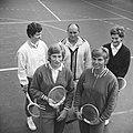 Tennisters voor links Trudy Groenman, Anja Lepoutre, links achter Betty Stöve en, Bestanddeelnr 918-7278.jpg