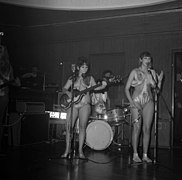 The Ladybirds opptrer i Bergen The Ladybirds performing in Bergen, Norway (1968) (13).jpg
