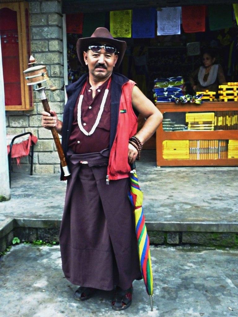 Tibetan pilgrim, Rewalsar, India