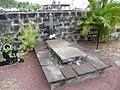 Tombe de La Buse (3741615443).jpg
