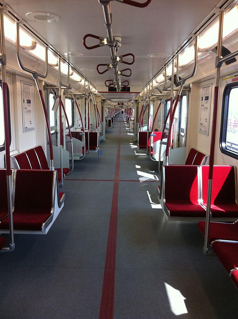 http://upload.wikimedia.org/wikipedia/commons/thumb/1/1e/Toronto_Rocket_Interior_Gangway.jpg/765px-Toronto_Rocket_Interior_Gangway.jpg