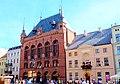 Toruń - Rynek Staromiejski, widoczny Dwór Artusa - panoramio.jpg