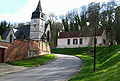 Toutencourt rue vers église et motte castrale 3a.jpg