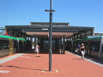 Cockburn Central railway station - Platform level in December 2007