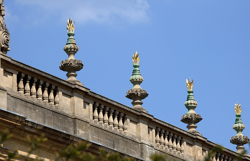 File:Trinity College roof decorations (5650280972).jpg