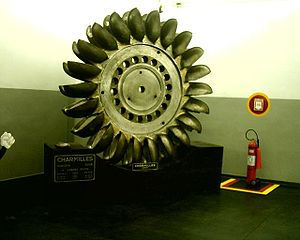 http://upload.wikimedia.org/wikipedia/commons/thumb/1/1e/TurbinaPelton.jpg/300px-TurbinaPelton.jpg