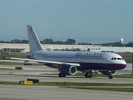 Airbus A320-200 van USA3000 op O'Hare International Airport, de luchthaven van Chicago