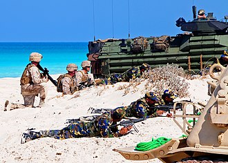 Pakistan Marines - Image: US Navy 091012 N 8132M 245 Marines assigned to the 22nd Marine Expeditionary Unit (22nd MEU), along with Marines from Kuwait and Pakistan, conduct an amphibious assault demonstration during Exercise Bright Star 2009