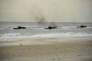 US Navy 120206-N-KB666-169 Amphibious assault vehicles (AAV) from the amphibious transport dock ship USS Oak Hill (LSD 51) make their way toward th.jpg