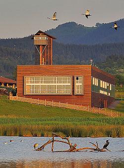 Urdaibai Bird Center 01 edificio.jpg