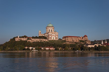 Basilica of Esztergom (Hungary), the third largest cathedral in Europe Varhegy2.JPG
