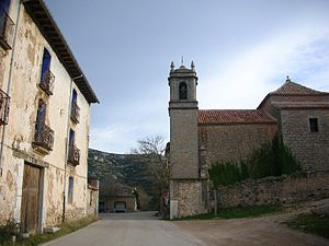 Serra de Vallivana - The church of Vallivana and an abandoned house