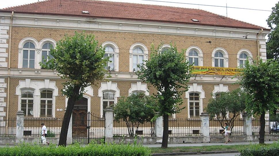 Verejná knižnica Jána Bocatia 2