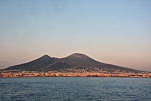 Vesuvio da mare 2.JPG