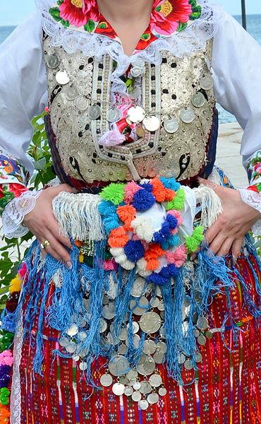 File:Vevcanska nosija.jpg
