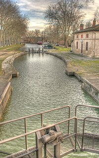 Vic Lock on the Canal du Midi.jpg