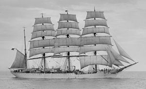 Viking (barque) - Viking under the Danish flag, between 1906 and 1929