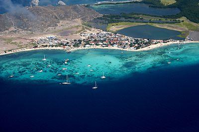 Village Gran Roque.jpg