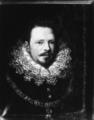 Vincenzo I Gonzaga in nero con il gran Collare dell' Ordine del Toson d' Oro.png