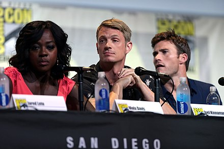 Kinnaman at the 2016 San Diego Comic-Con to promote Suicide Squad Viola Davis, Joel Kinnaman & Scott Eastwood (28568532666).jpg