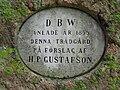 Visby DBW trädgård minnessten.JPG