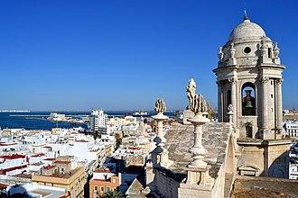 Cádiz Cathedral - Image: Vistas desde la Torre de Poniente Cádiz DSC 0023