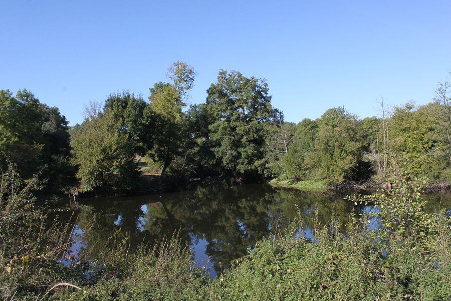 La confluence de la Sanguèze à la Sèvre nantaise, Fr-44-Gorges.
