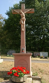 Wasserlos Friedhofskreuz (01).jpg