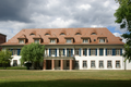 Wasserlos Schlosshof 1 (01).png