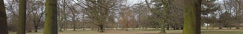 File:Watford banner Cassiobury Park.jpg