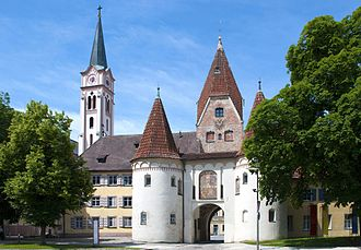 Weißenhorn - Upper Gate, old town hall and the catholic church seen from the main plaza