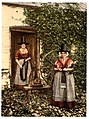 Welsh spinners and spinning wheel, Wales-LCCN2001703565.jpg