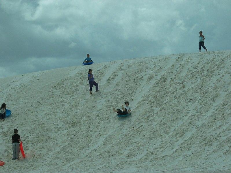 파일:White sands sledding.jpg