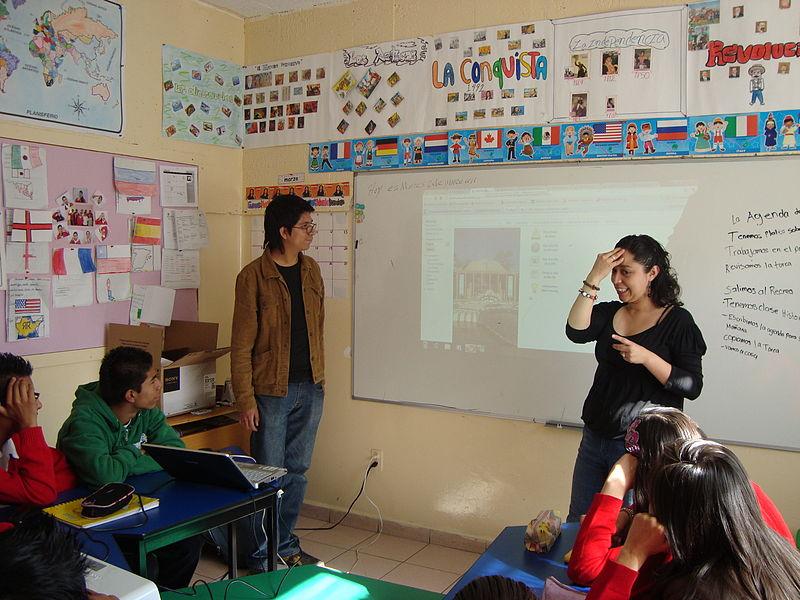 File:Wikimedia Mexico - Outreach class for deaf children.jpg